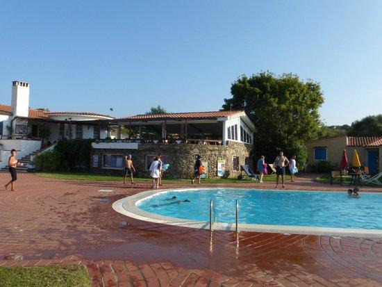 Bungalow Club Village: Ristorante sulla piscina