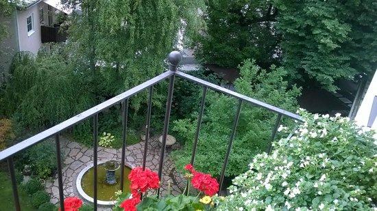 Hotel&Villa Auersperg: Lovely garden