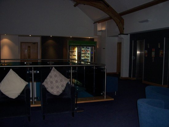 Cheadle House: Upstairs lobby vending machines