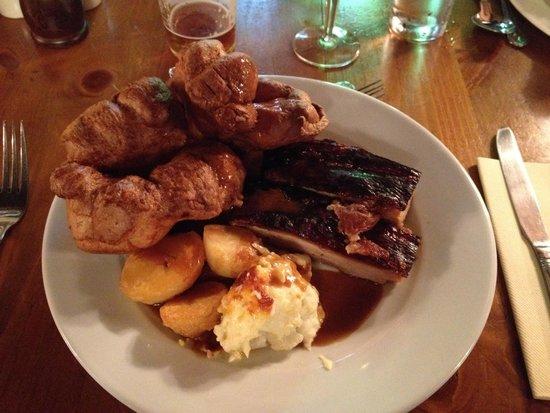 The Ship Inn: Roast Pork Sunday Lunch (10/10)