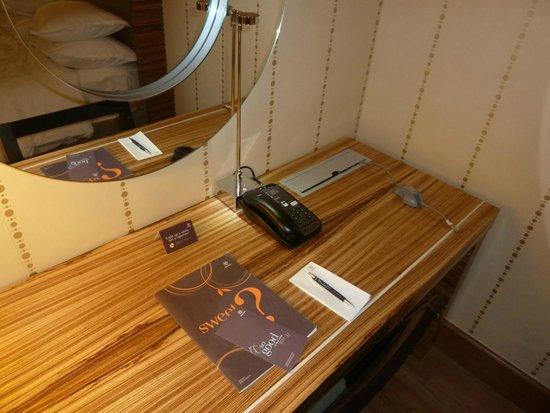 Sheraton Stockholm Hotel: Desk