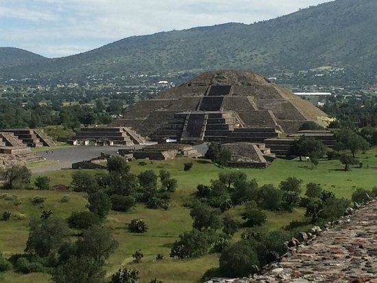 Teotihuacan : The Temple of the Moon seen from the Temple of the Sun