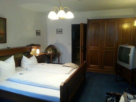 Hotel & Restaurant Loewen : Room