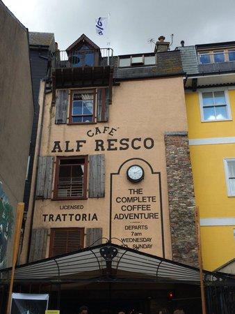 Cafe Alf Resco: View
