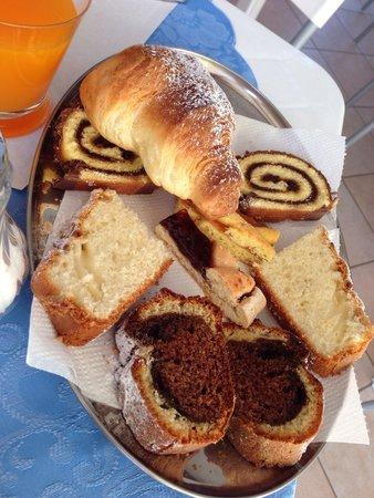 Giglio del Conero bed & breakfast: Le colazioni deliziose del Giglio Del Conero!
