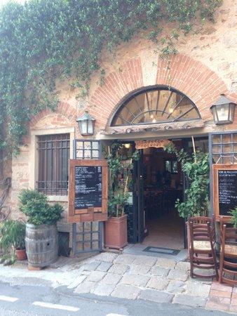 Enoteca Tognoni: L'ingresso