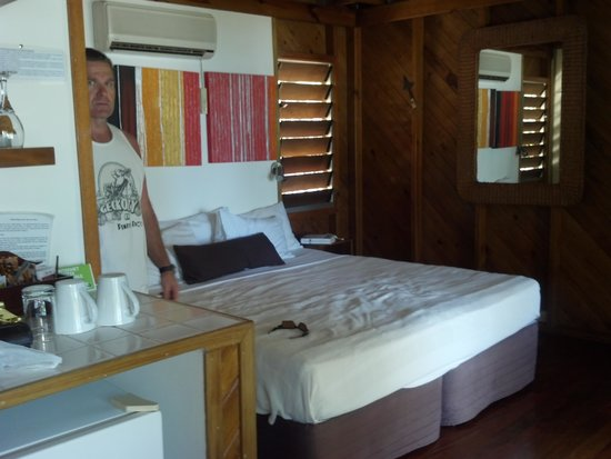 Wananavu Beach Resort: Bedroom Oceanview