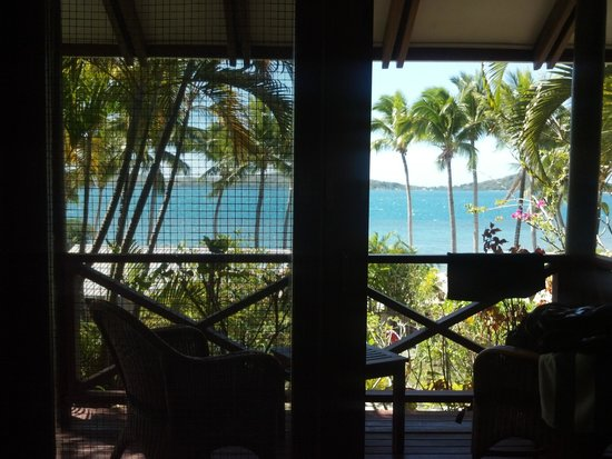 Wananavu Beach Resort: View from your bed Oceanview