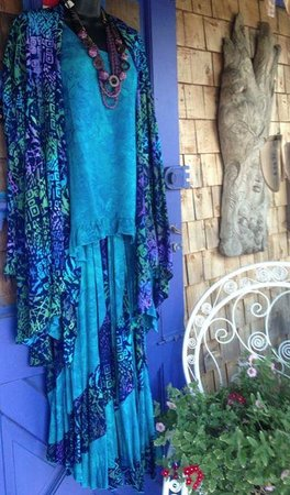 Acadia World Traders: colorful  hand crafted batik clothing
