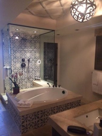 Rancho Valencia Resort & Spa: Gorgeous Bathroom