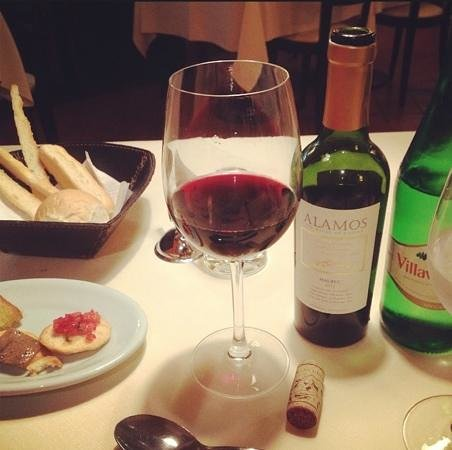 Ristorante La Toscana: A lovely bottle of Malbec (& the free bread basket!).