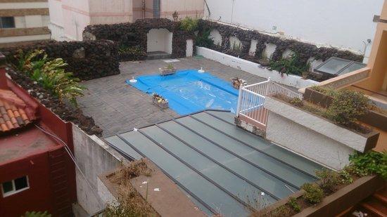 Elegance Dania Park : piscina infantil abandonada