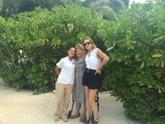 Live Aqua Beach Resort Cancun: Atencion VIP con Lore Adorada