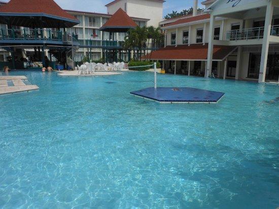 Breezes Resort & Spa Bahamas : Pool View