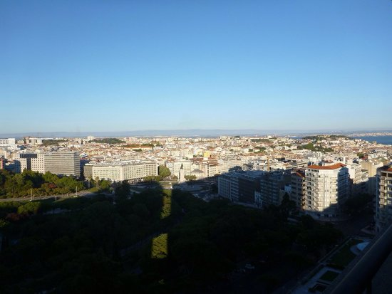 Four Seasons Hotel Ritz Lisbon: View from room 1042