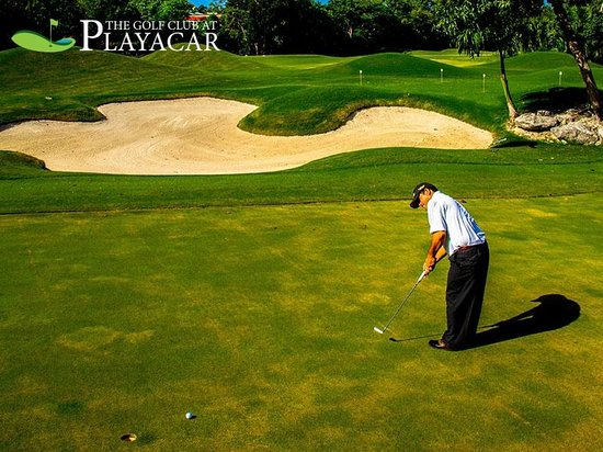 Playacar Golf Club: Putting time
