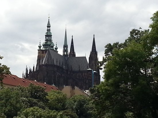 SANDEMANs NEW Prague Tours: castle