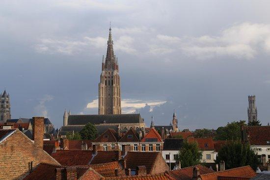 Ibis Brugge Centrum : Vue de la chambre
