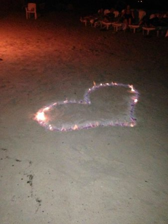 Couples Negril: Romantic Monday Night Bonfire and Music