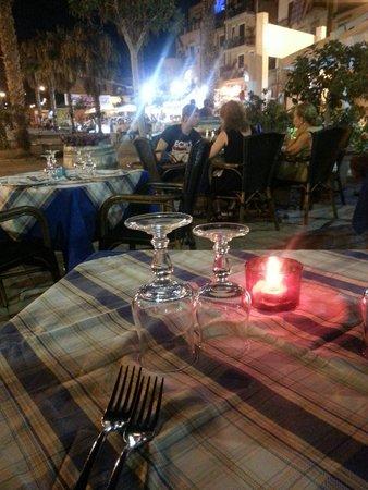 Ristorante Francu U' Piscaturi Cuore Marittimo: Tavoli fuori