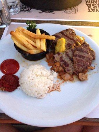Bono Good Times Beach: Steak!