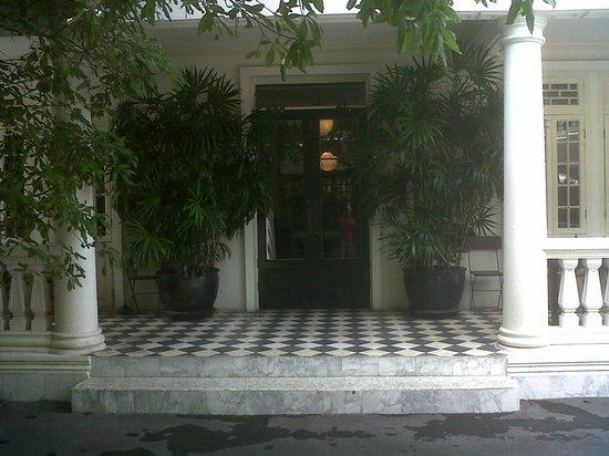 The Cabochon Hotel : Fachada principal