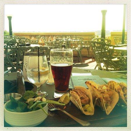 Fairmont Hotel Macdonald: Ahi tuna fish tacos with a pint of Trad