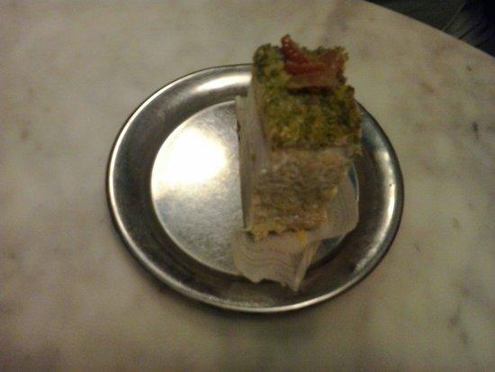 Caffe Sicilia: Pastelito de pistachio