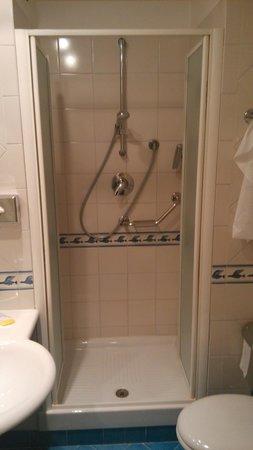Hotel Dei Congressi: Foto della doccia