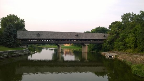 Bavarian Inn Lodge: Covered Bridge