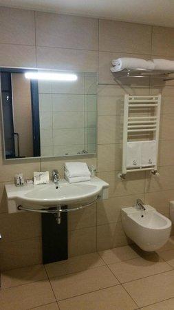 BEST WESTERN PREMIER Hotel Galileo Padova: Łazienka