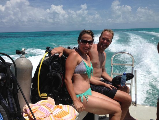 Blackbird Caye Resort : the trip to the blue hole