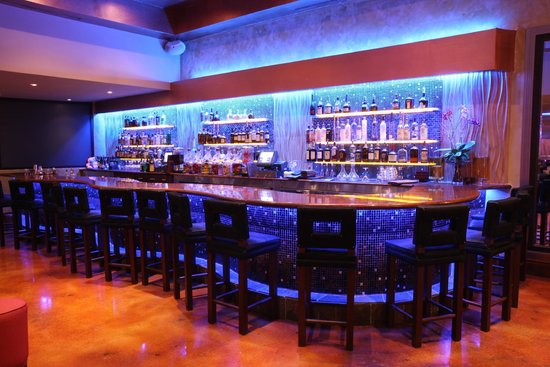 Newport Beachside Hotel and Resort: Kitchen 305