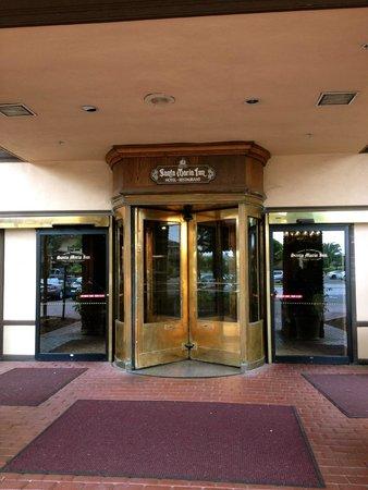 Santa Maria Inn: Hotel Entry
