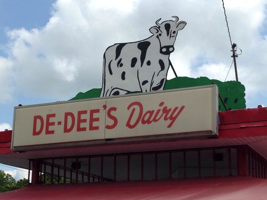 De Dee's Dairy : De-Dee's is definitely the place to go!!!
