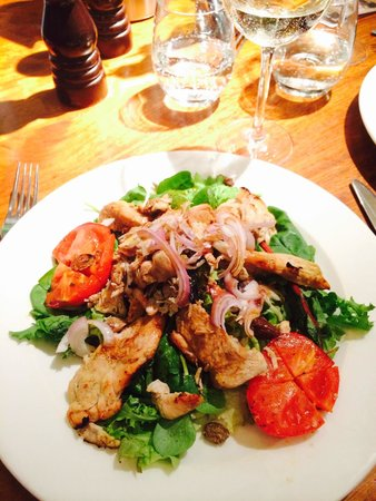 Rocca di Papa: This chicken salad was delicious!