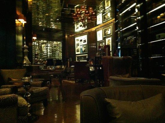 InterContinental Bangkok: Humidor Cigar Bar 1