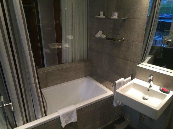 Hotel Matterhorn Focus: Salle de bain chambre Deluxe C