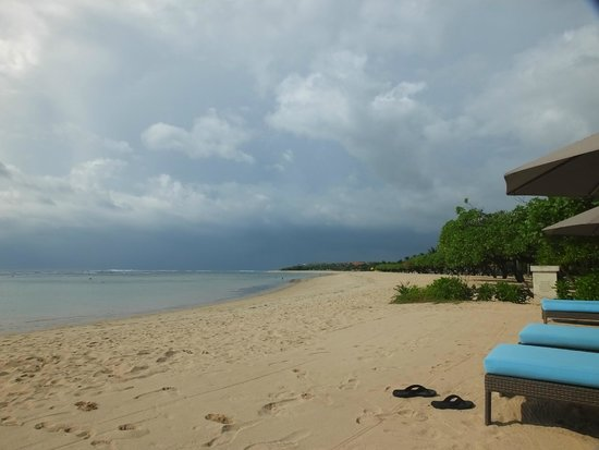 Courtyard by Marriott Bali Nusa Dua Resort: Courtyard Beach area