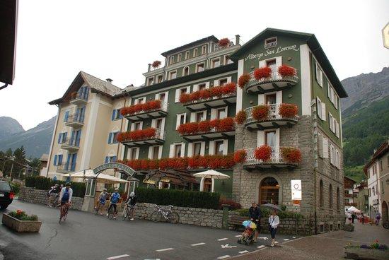 Hotel San Lorenzo: Fachada del Hotel en Agosto 2014