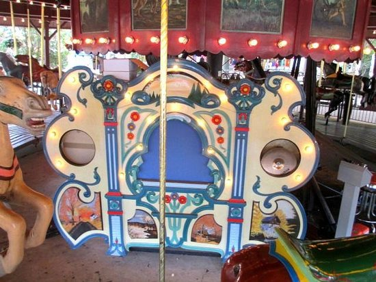 DelGrosso's Amusement Park: The carousel band organ