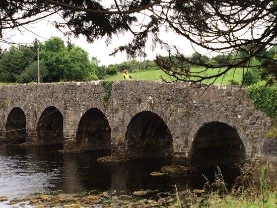 Greenway Bicycle Hire : Stone bridge