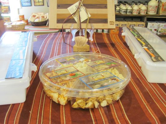 Shtayburne Farm : Cheese Samples!