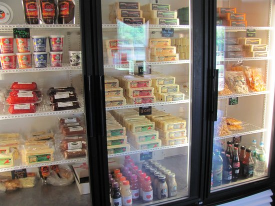 Shtayburne Farm: Take cheese home with you!