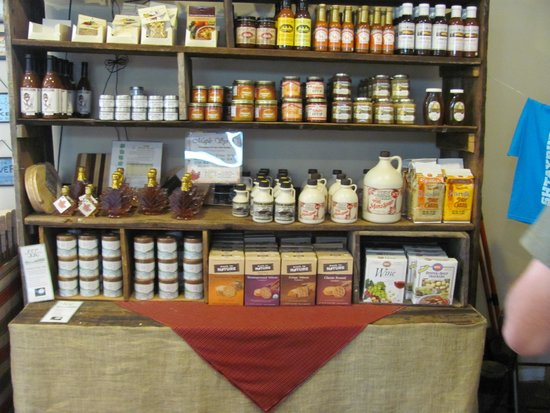 Shtayburne Farm: Lots of other local products
