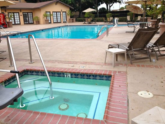 Santa Maria Inn: Pool area