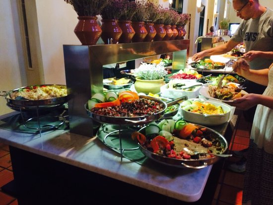 Candia Park Village : Delicious buffet