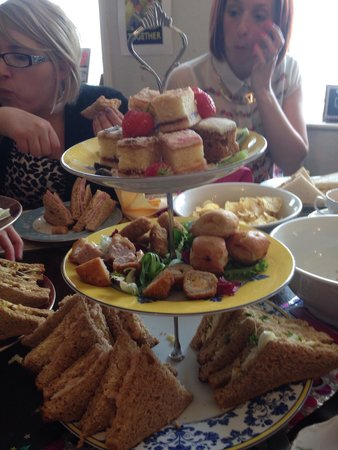 19 Fourteas Tearoom Havant: Scrummy cream tea