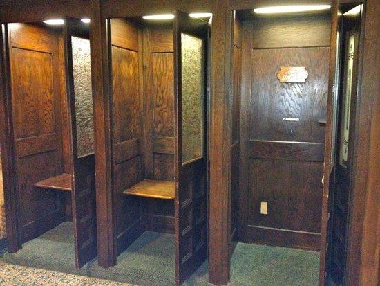 The Historic Santa Maria Inn : Phone Booths