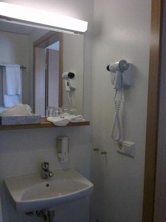 Hotel Hofn: baño